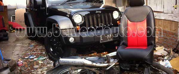 Bekleed Jok Mobil Jeep Wrangler Rubicon